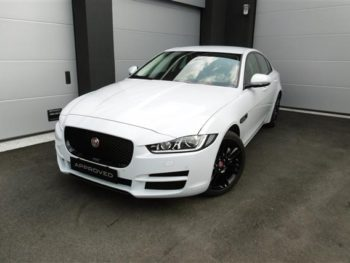Permalink to: JAGUAR XE 2.0 D Turbo 180 CV AWD